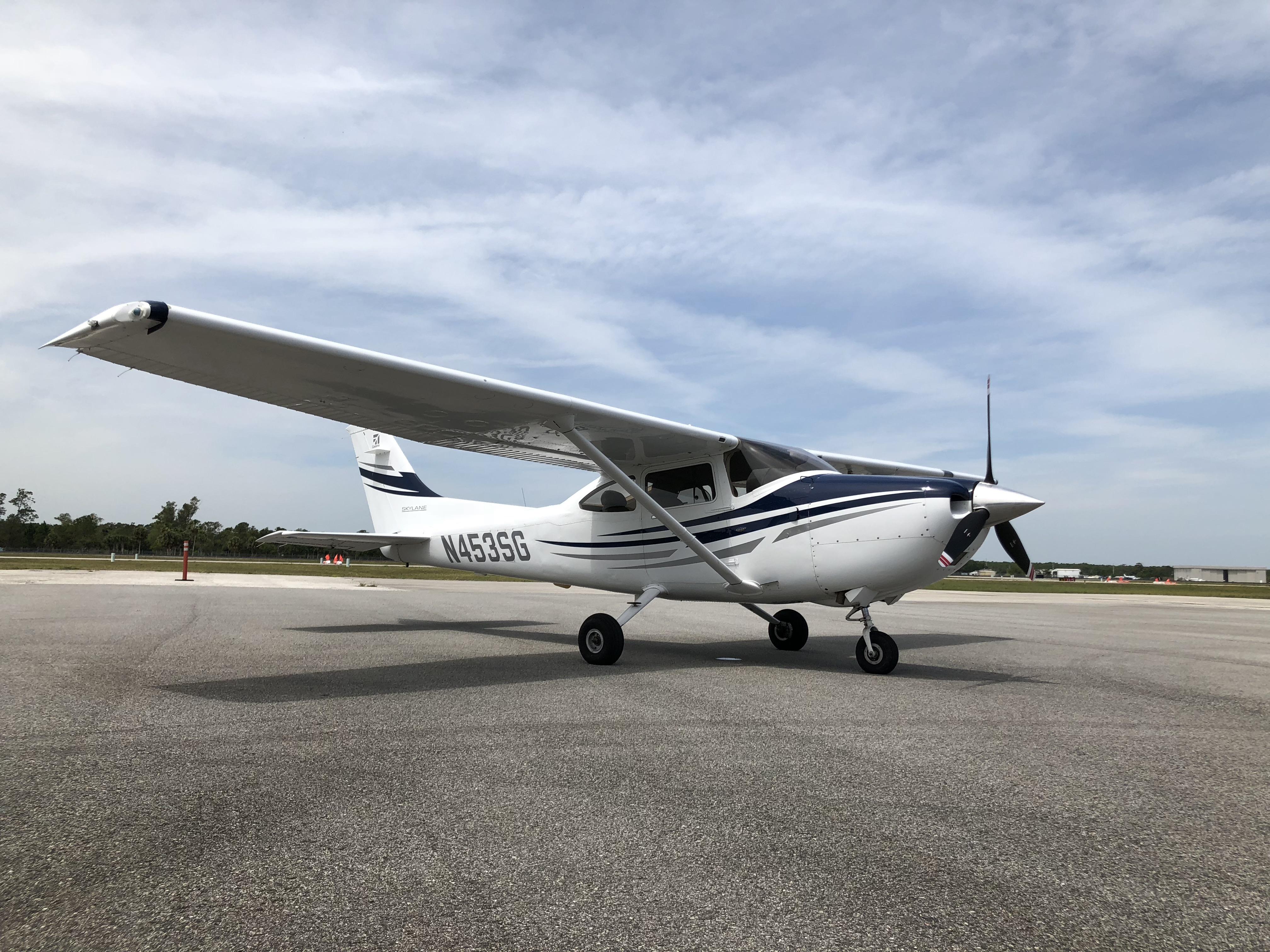 Cessna 182T Skylane Cockpit Poster with Garmin G1000 built-in Auto Pilot